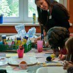 In der offenen Kinderwerkstatt ging es bunt und kreativ zu.