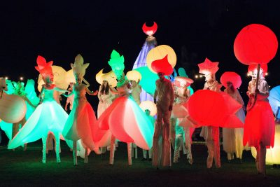 STAMP Eröffnung. Night Time Lit Carnival. Foto: Thomas Panzau