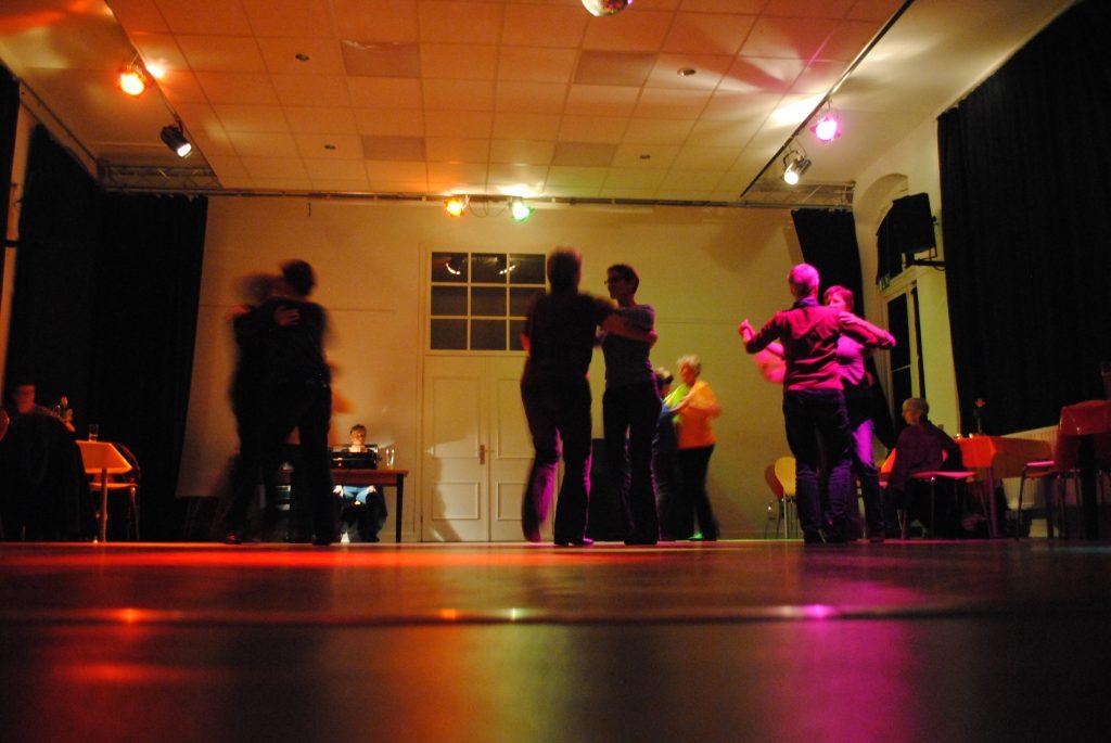 HausDrei Altona Tanzcafe Frauen