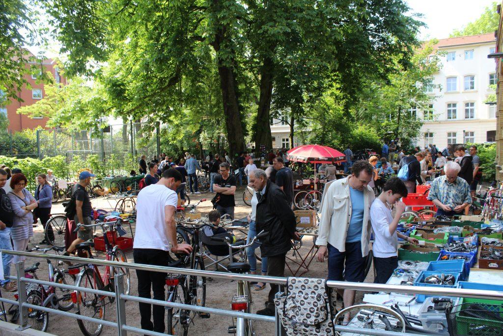 Fahrradflohmarkt bei den Altonaer Bicycle Days Altona HausDrei