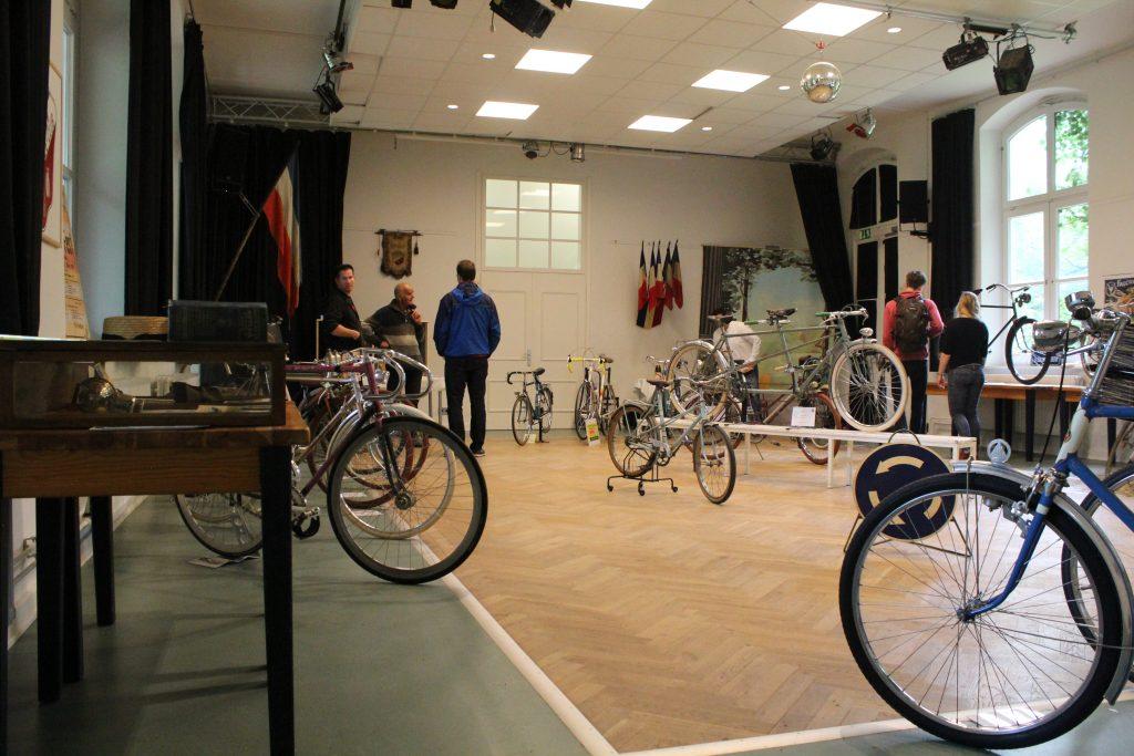 Fahrradflohmarkt bei den Altonaer Bicycle Days Altona HausDrei Fahrradausstellung