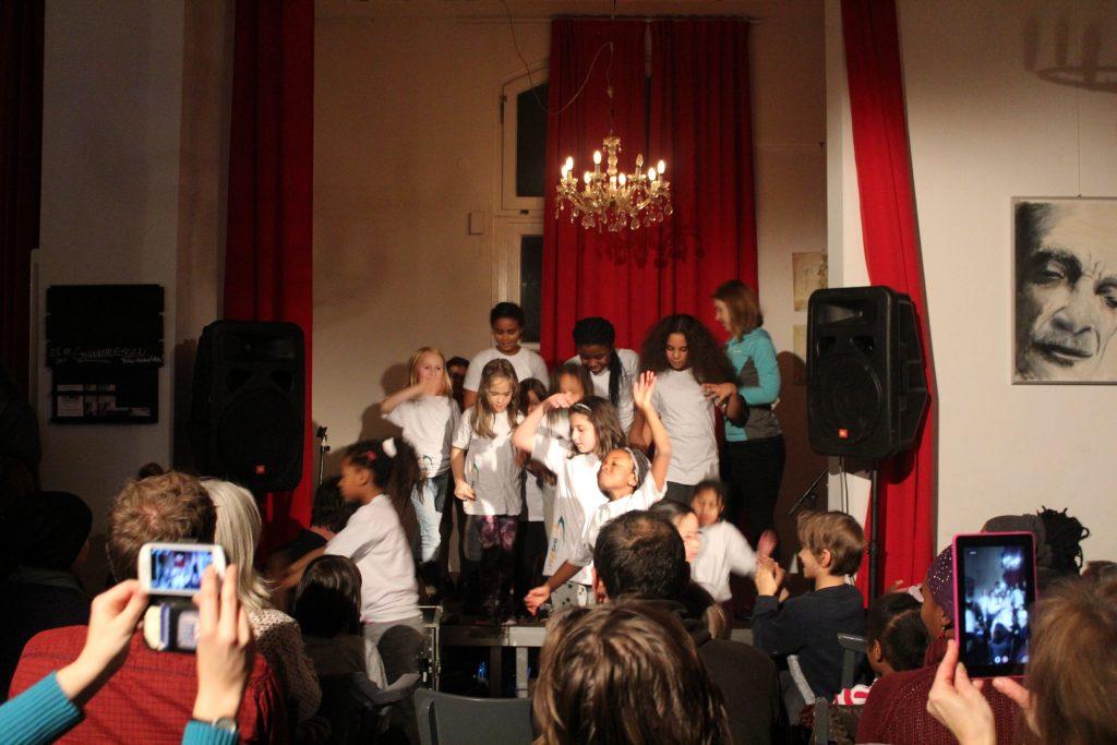 HausDreiGirls Mädchentag Altona HausDrei VIERTELbühne