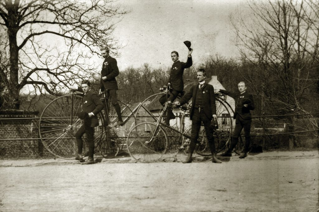 Altonaer Bicycle Club um 1885