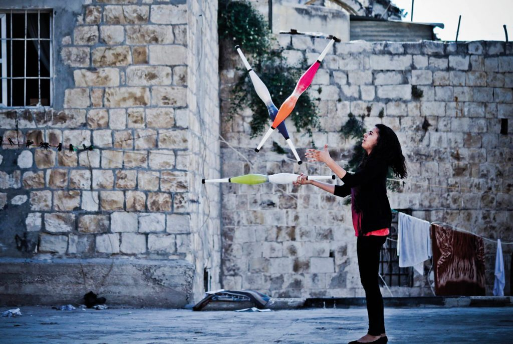 Zirkus bewegt Welten HausDrei KinderKulturKarawane