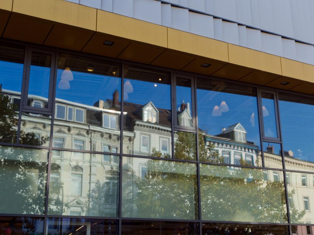Große Bergstraße - Fensterfront